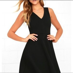 NWT Lulus Black Vneck Fit and Flare Dress